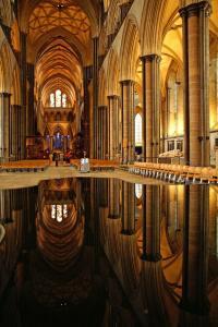 salisbury-cathedrale-wiltshire-suedengland-a7f646ac-45f6-4fea-921f-276642f72ce8